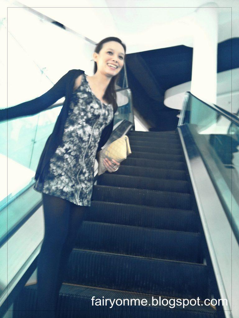eskalator-panjang-di-ciputra