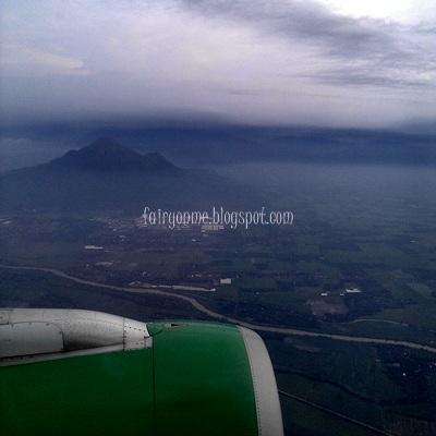 Gunung_arjuna_pesawat