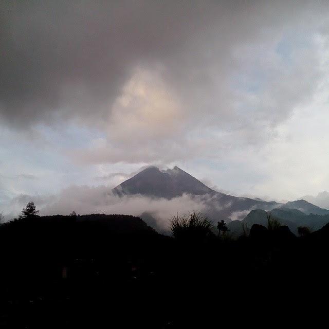 Gunung-merapi-foto